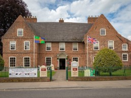 art gallery holidays near the shore Lincolnshire | Thorganby Hall