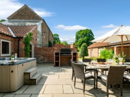 holiday rental with pool for couples east midlands | Thorganby Hall