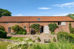 holiday rental with pool for families east midlands | Thorganby Hall